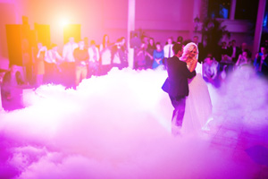 First dance with dancing on a cloud effect